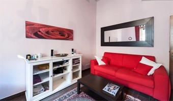 florence accommodation with parking: Cleopatra central apartment